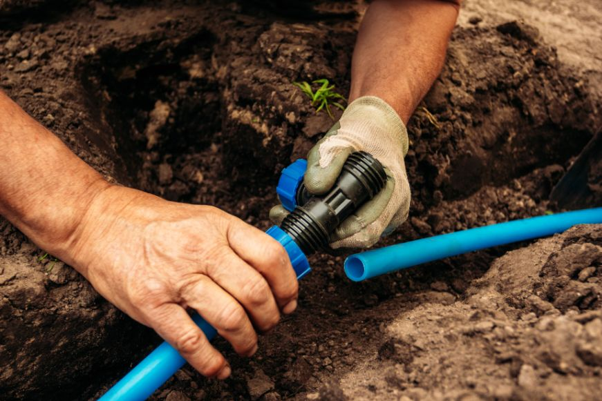 תיקון מערכת השקיה לגינה