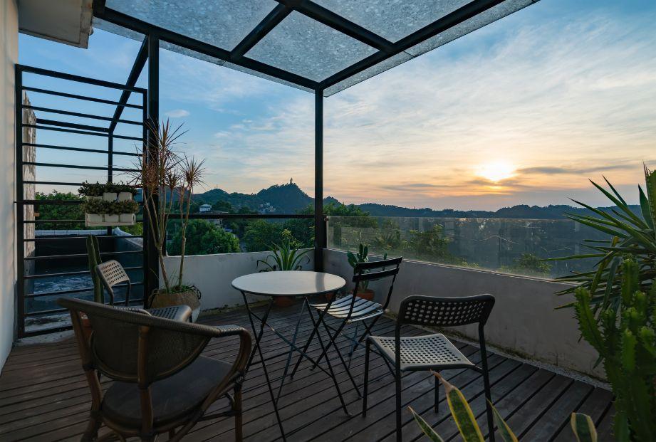 התאמת צמחים למרפסת לפי כיוון השמש